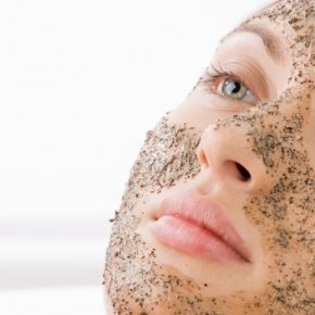 Salon kosmetyczny VENUS - Peeling ziołowy Christina ROSE DE MER ®